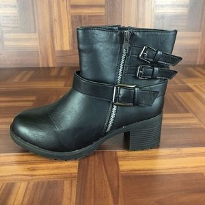 RUE21 Black Moto Buckle Accent Heeled Boots